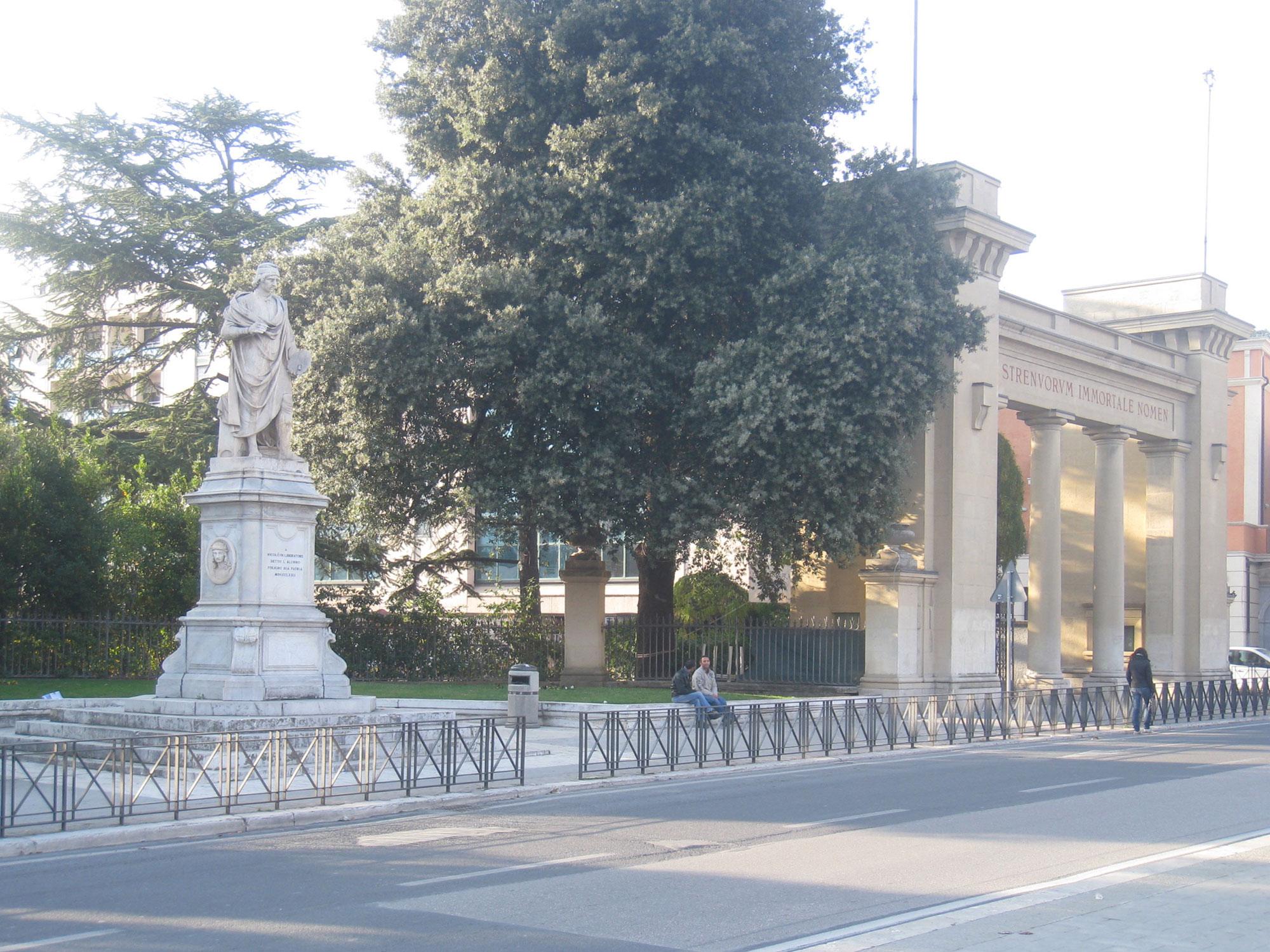 Porta-Romana-1